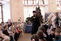 Детская воскресная школа Тихвинского храма празднует Рождество Христово